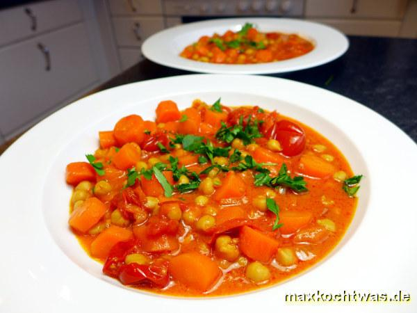 Rüebli-Tomaten-Curry mit Kichererbsen